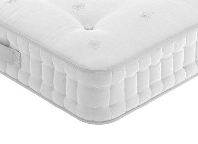 Save £320 at Dreams on Flaxby Nature's Creation SK Mattress Medium Zipped 6'0 Super king
