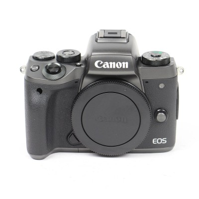 Save £100 at Wex on Used Canon EOS M5 Digital Camera with 18-150mm Lens Kit